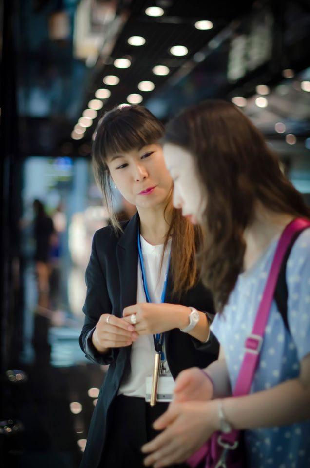Oferta de trabajo comercial con idiomas chino e inglés